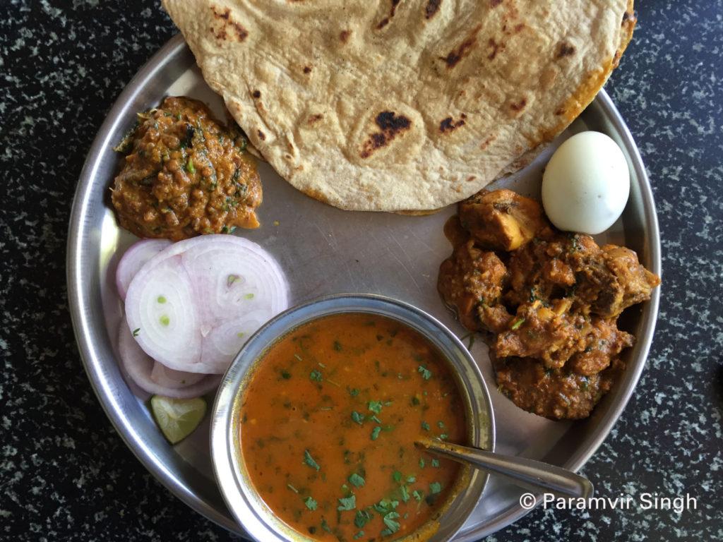 Chicken Thali in Maharashtra