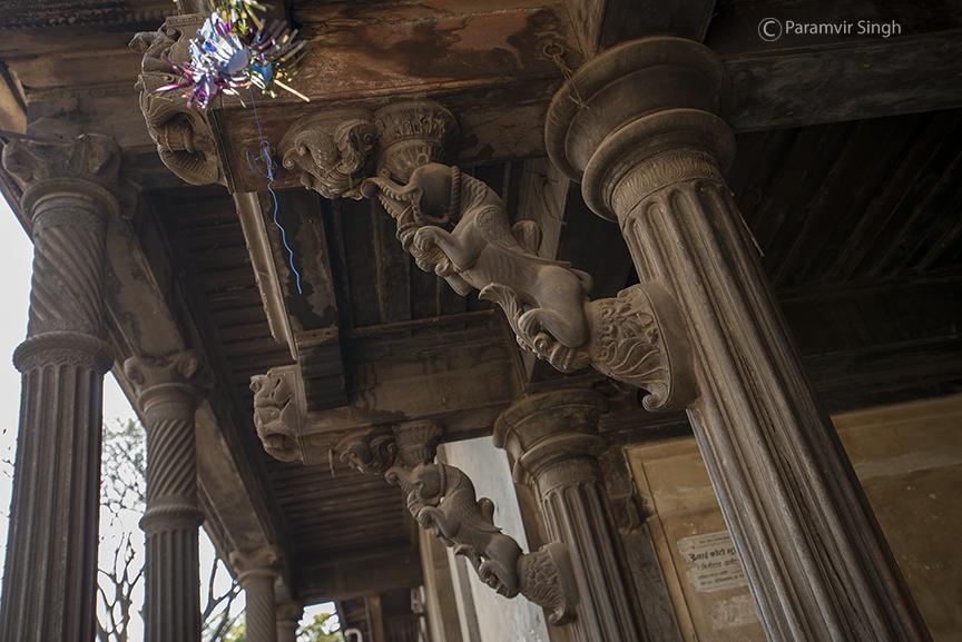 Bhor Rajwada pillar bracket details