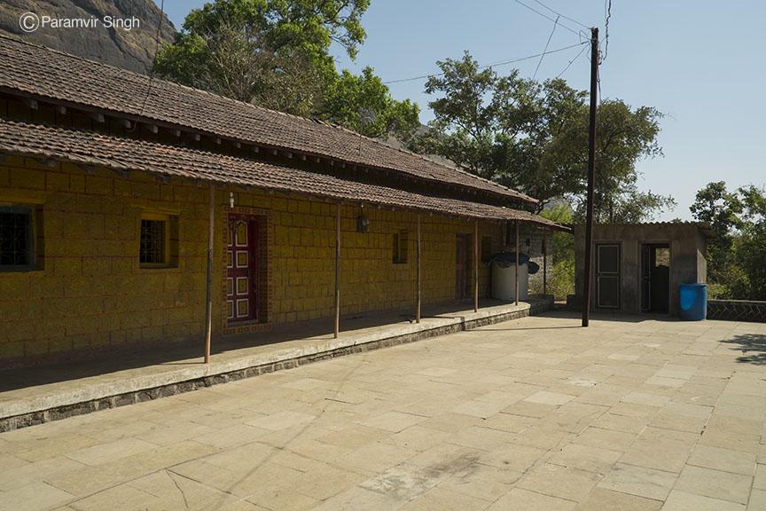 Rooms to stay at Prabalmachi