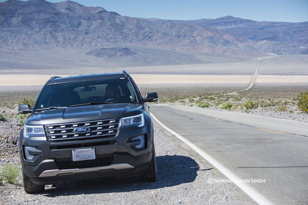 Ford Explorer in Death Valley National Park