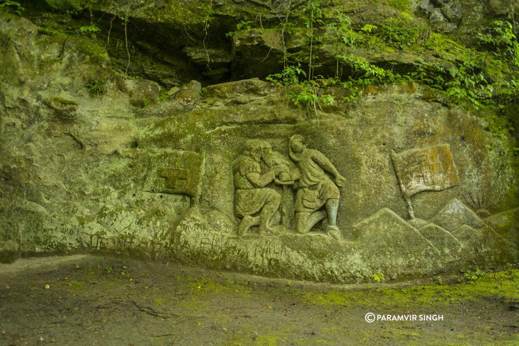 rock carvings in Safenwil woods