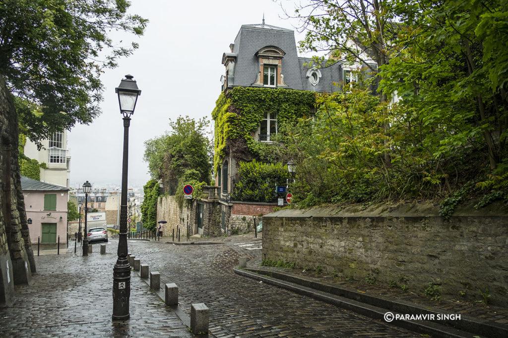 Walking in Montmartre, Paris