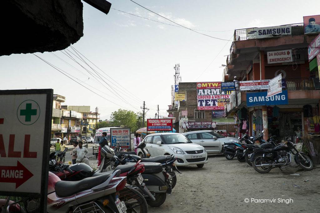 Dense market near Katrain, Himachal Pradesh