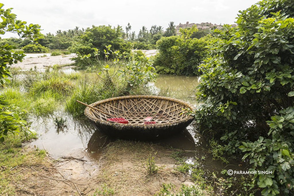 Coracle at Hampi