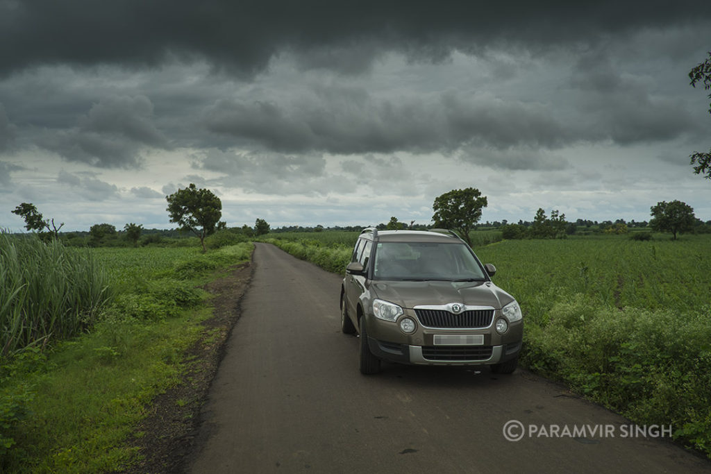 Skoda Yeti In Monsoons Dar Clouds