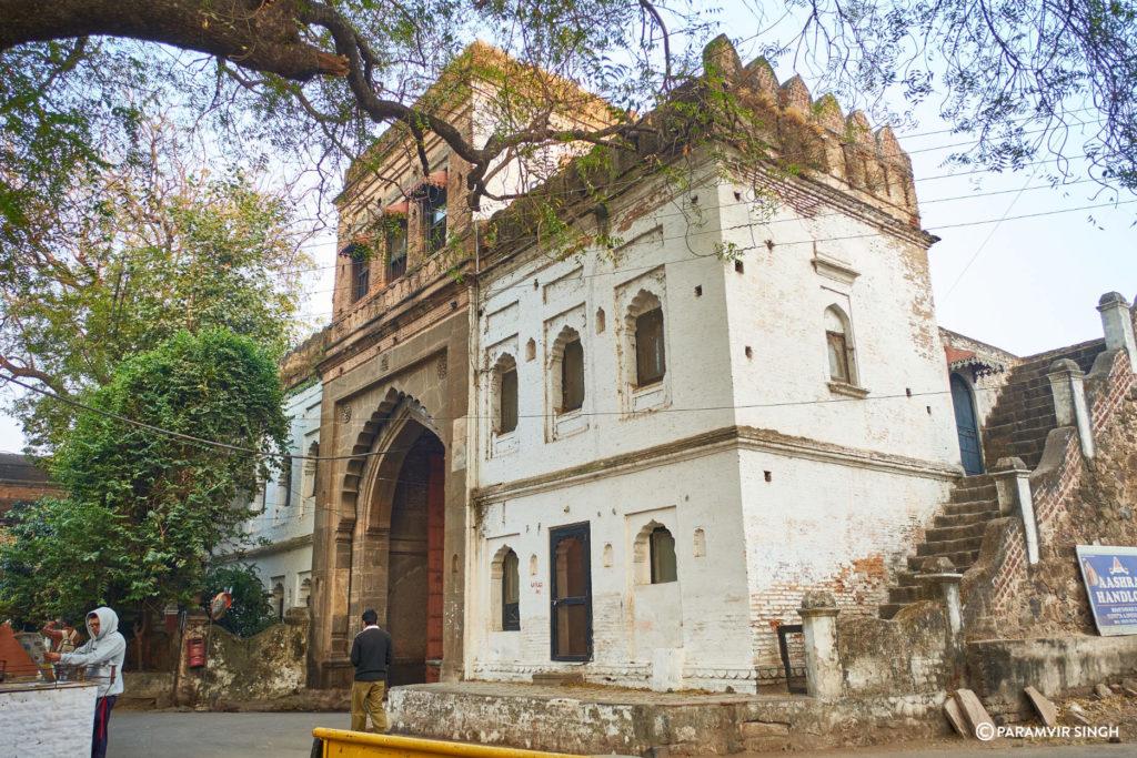 Maheshwar Fort Gate Side View